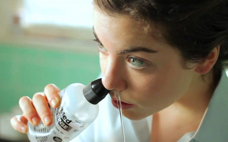 Vệ sinh mũi đúng cách ngăn ngừa vi khuẩn phát triển