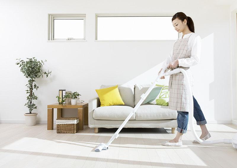 Thường xuyên vệ sinh nhà cửa, giữ không gian sống sạch sẽ, thoáng mát để phòng ngừa nguy cơ tái phát bệnh