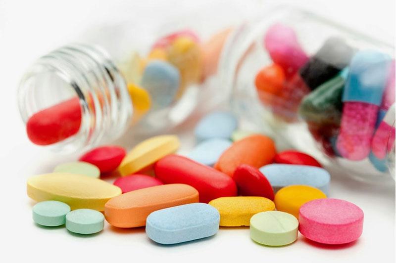 Lạm dụng thuốc kháng sinh cũng là 1 trong những nguyên nhân dẫn đến nấm âm đạo