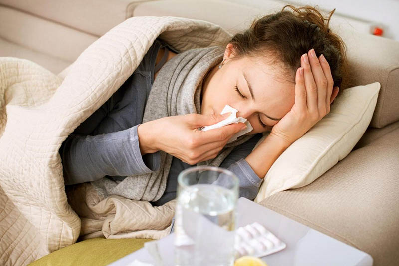 Viêm mũi dị ứng bội nhiễm gây ra những khó chịu, ảnh hưởng đến đời sống sinh hoạt