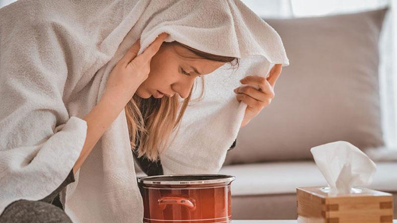 Xông hơi tinh dầu giúp giảm triệu chứng của viêm mũi dị ứng thời tiết nhanh chóng