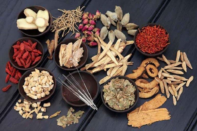 Sử dụng thuốc Đông y là phương pháp giúp giảm ngứa vào mùa đông hiệu quả