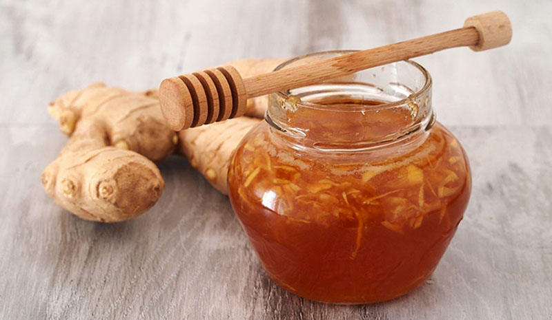 Bài thuốc chữa tinh trùng vón cục từ gừng và mật ong