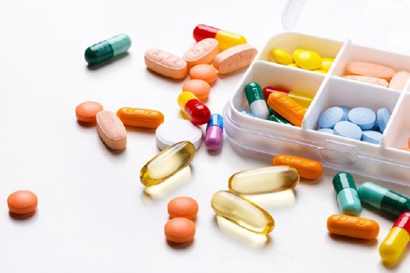 Điều trị tinh trùng vón cục bằng phương pháp Tây y cần cẩn trọng vì có thể gặp phải tác dụng phụ