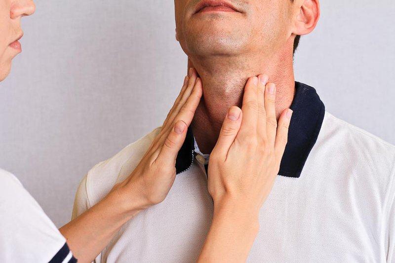 Ngứa trong da là triệu chứng của suy giáp