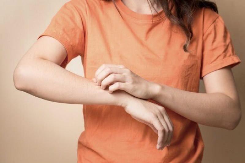 Ngứa trong da là tình trạng cấu trúc da bị tổn thương