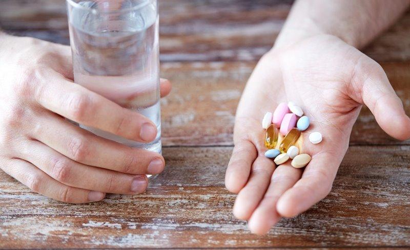 Bạn có thể tham khảo bác sĩ về việc sử dụng thuốc điều trị