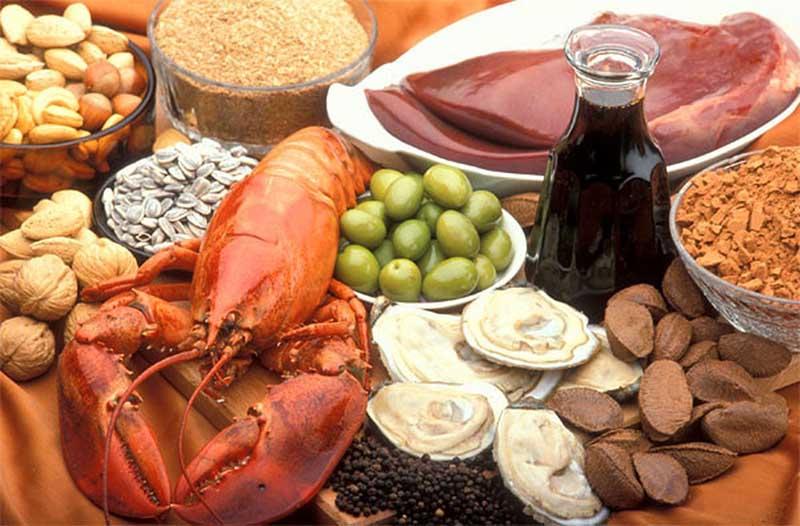 Chế độ ăn uống hợp lý giúp nam giới phòng tránh hiện tượng tinh trùng vón cục