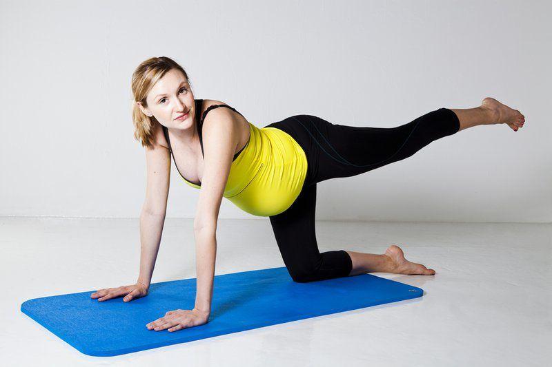 Tập yoga sẽ giúp mẹ bầu giảm đau khớp háng