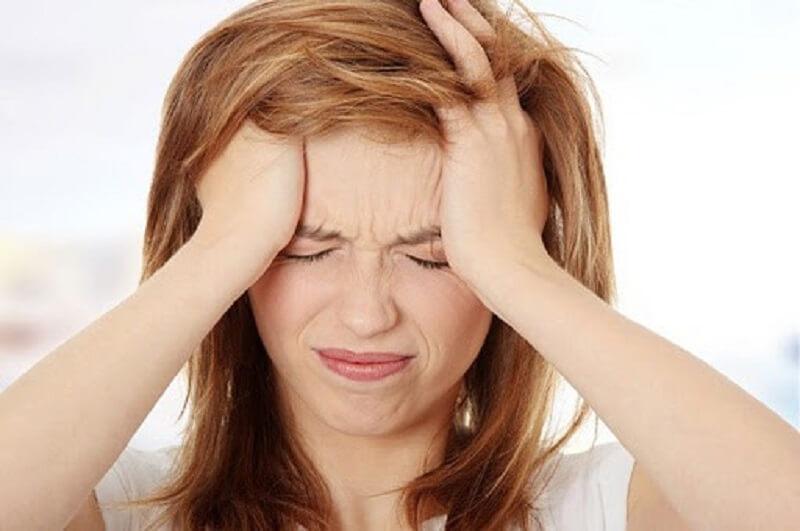 Rối loạn nội tiết tố khiến cơ thể mệt mỏi, da mặt bị ngứa và nổi mụn
