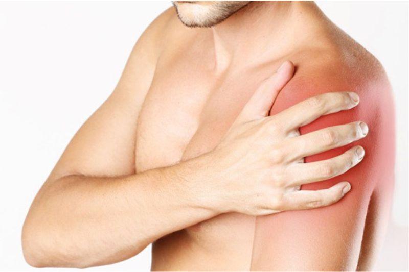 Đau khớp vai nếu để lâu, không chữa trị sẽ gây ra nhiều hệ lụy xấu cho sức khỏe