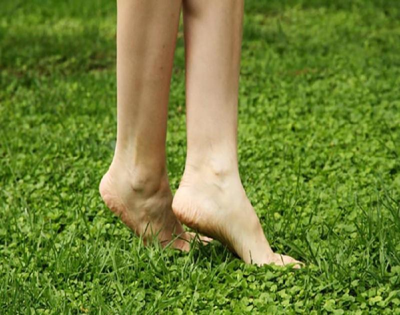 ngứa gót chân do bị dị ứng