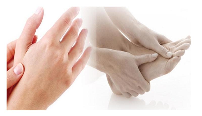 Ngứa mu bàn tay, bàn chân dai dẳng không dứt là bệnh gì?