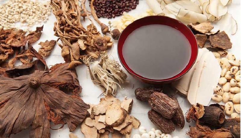 Thuốc Đông y chữa ngứa bằng cách tiêu viêm, thanh nhiệt, giải độc, chữa trị từ bên trong