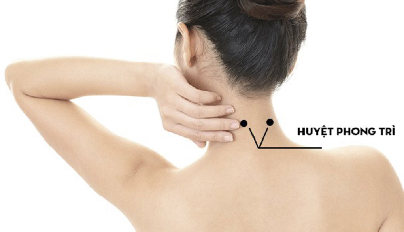 Huyệt Phong trì giúp cải thiện triệu chứng viêm họng