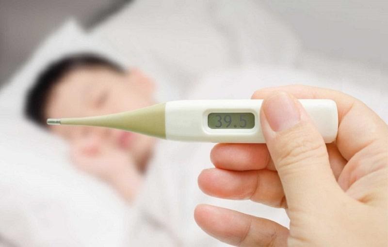 Sốt viêm họng kéo dài khiến người bệnh cảm thấy mệt mỏi, làm ảnh hưởng đến cuộc sống, công việc