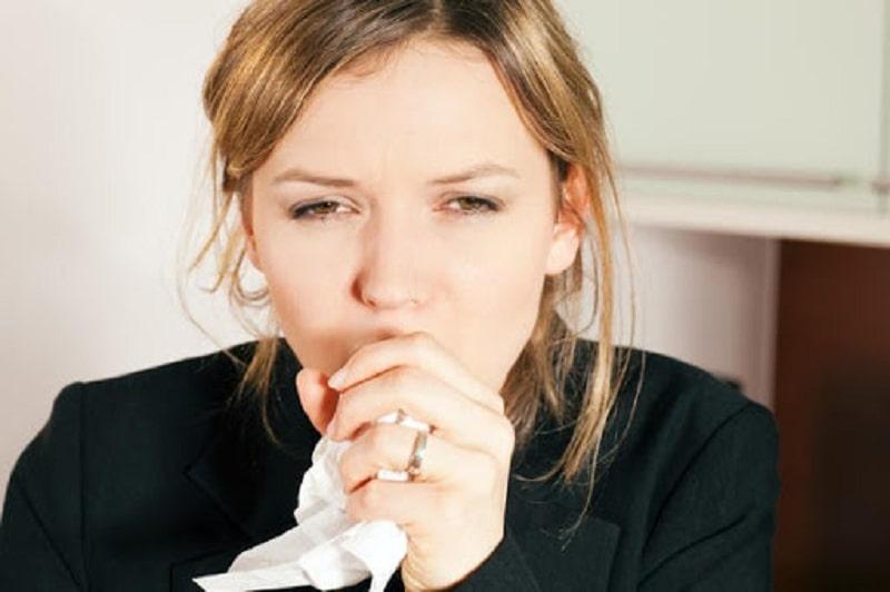 Viêm họng cấp ở người lớn là bệnh thường xảy ra vào thời điểm giao mùa