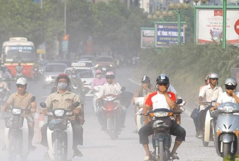Môi trường ô nhiễm là tác nhân gây ra viêm họng cấp ở người lớn