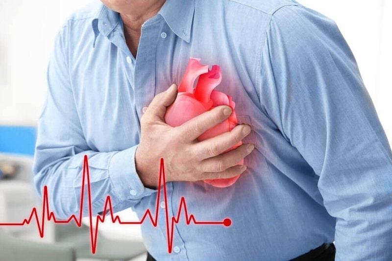 Viêm họng cấp có thể gây ra các biến chứng về tim mạch