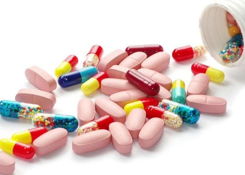 Người bệnh chỉ được dùng thuốc khi được bác sĩ kê đơn