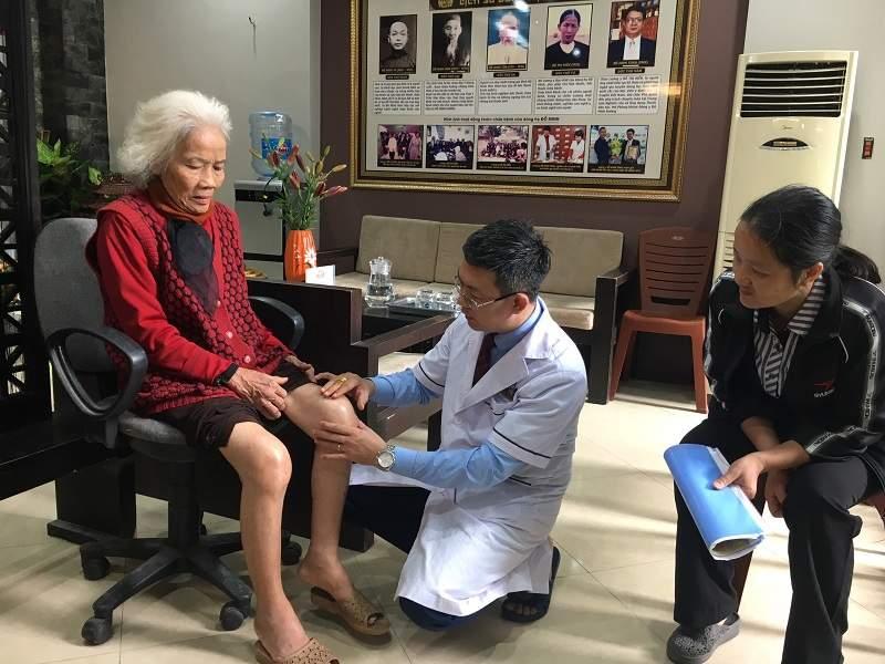 Các bác sĩ Đỗ Minh Đường luôn tận tâm vì người bệnh