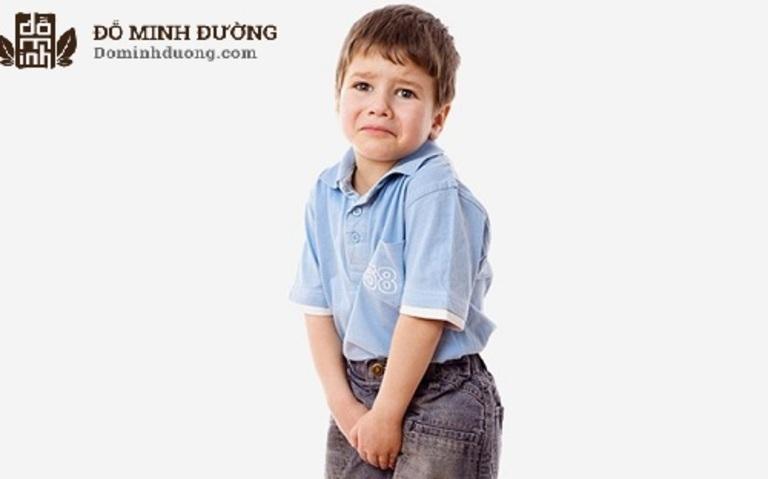 Trẻ bị nang thận thường có dấu hiệu rối loạn tiểu tiện