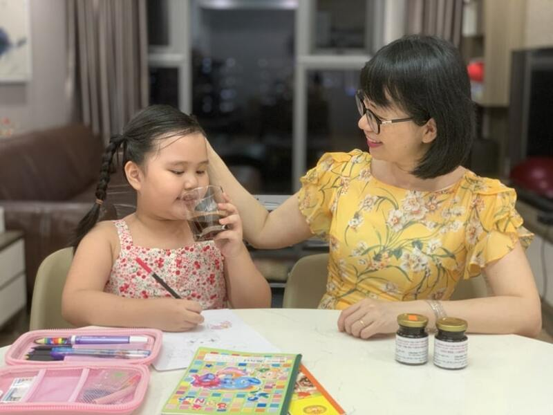 Bé Hà Phương cải thiện sức đề kháng rõ rệt chỉ sau 1 liệu trình bài thuốc Viêm họng hạt Đỗ Minh Đường