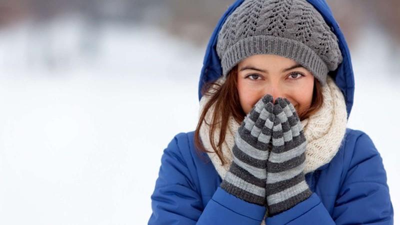 Giữ ấm vùng cổ khi trời lạnh